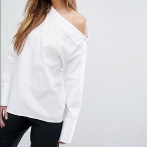Beautiful Vero moda white asymmetrical blouse EUC
